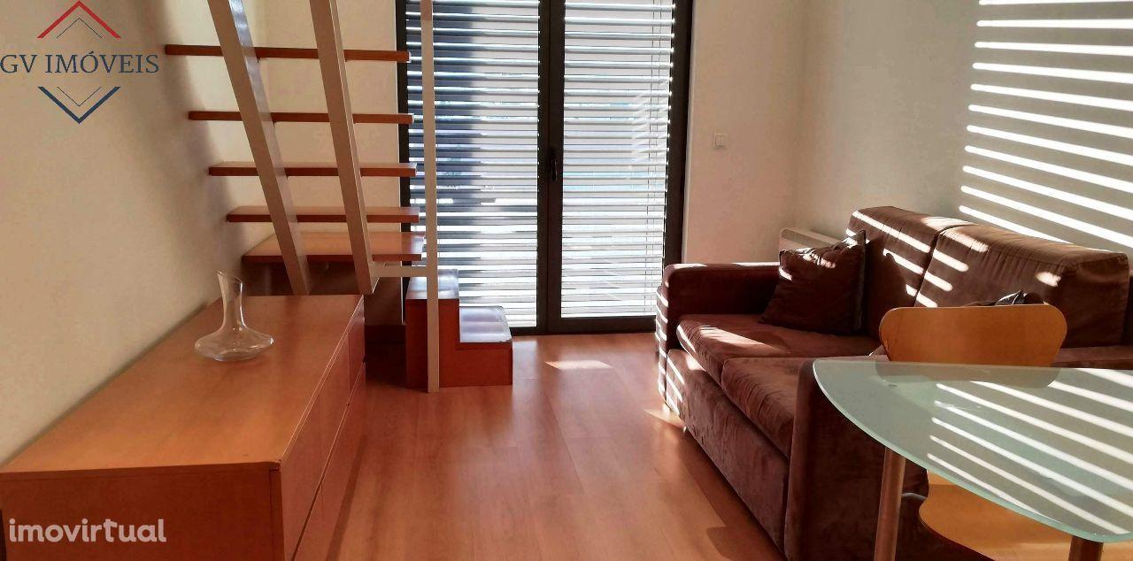 Excelente T0 Loft - Duplex - Norteshopping - Mobilado e Equipado