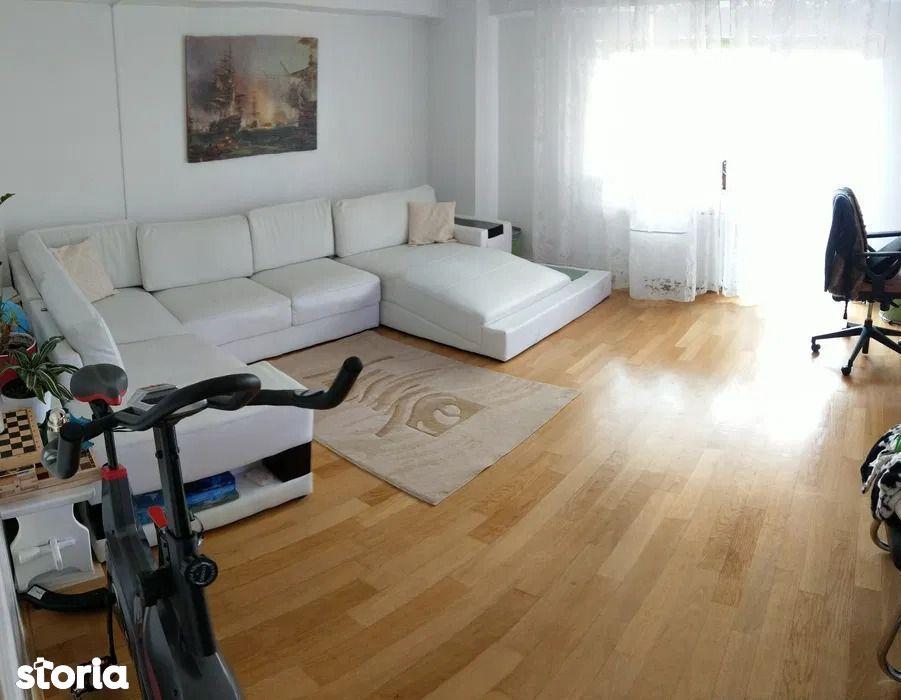 Apartament cu 4 camere de vânzare în Gheorgheni
