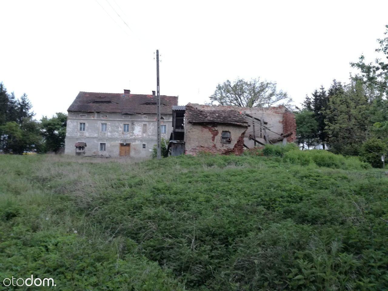 Dom do remontu w zacisznej okolicy
