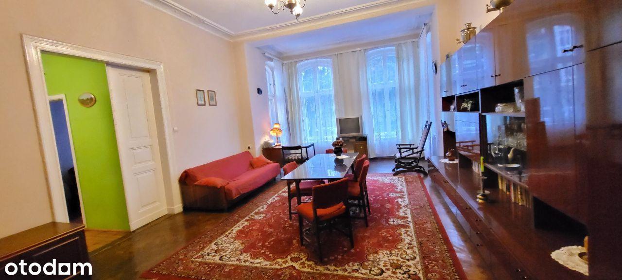 Ciekawe mieszkanie I piętro z balkonem