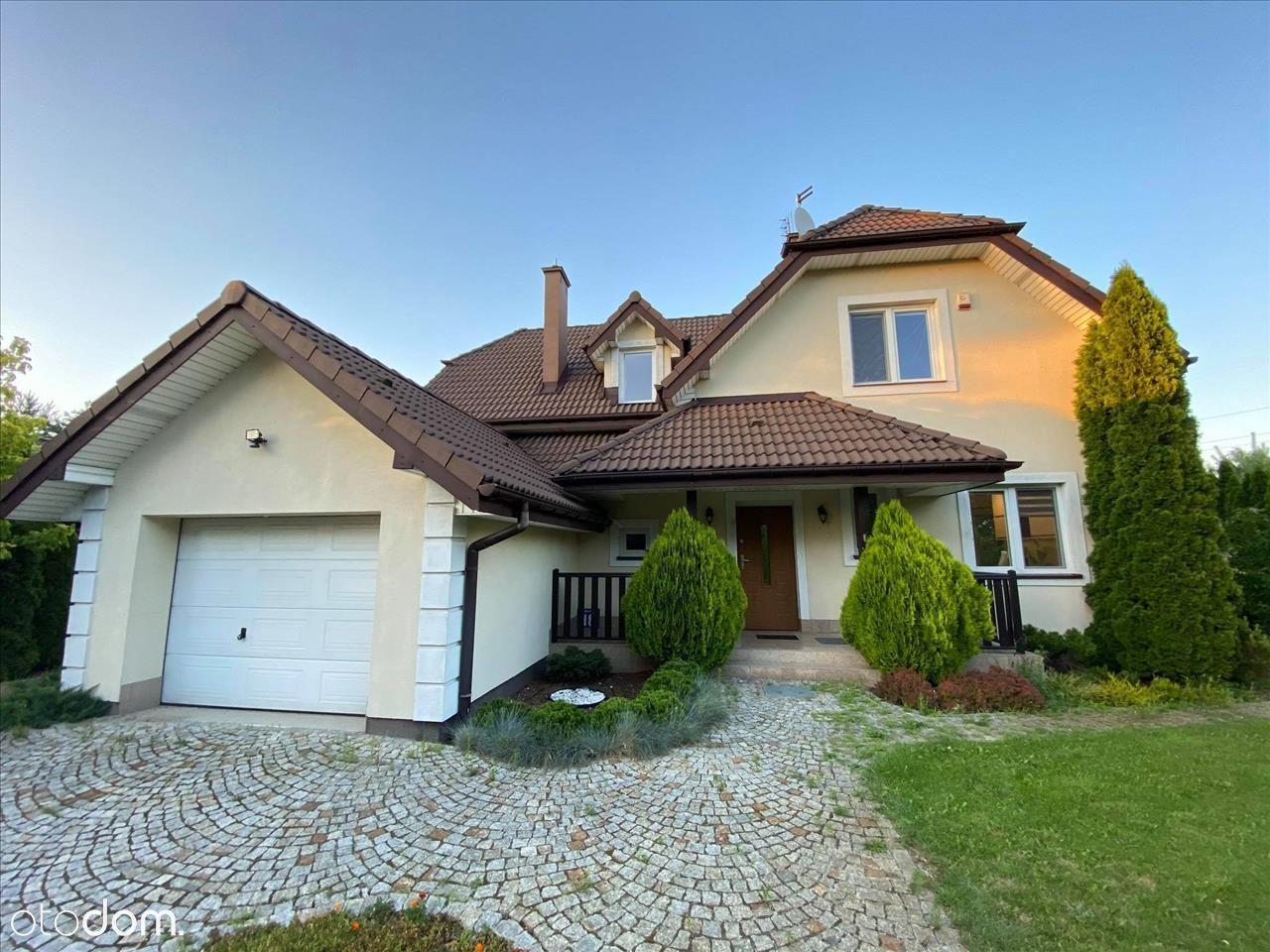 Piękny dom w cichej okolicy pod Warszawą