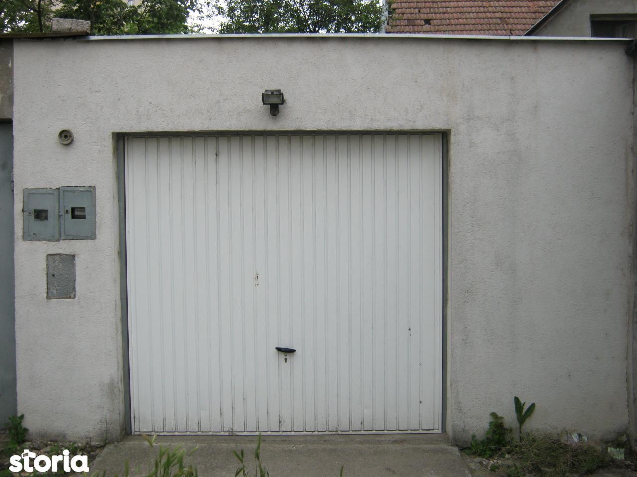 De vanzare garaj auto cu acte Corvinilor Satu Mare