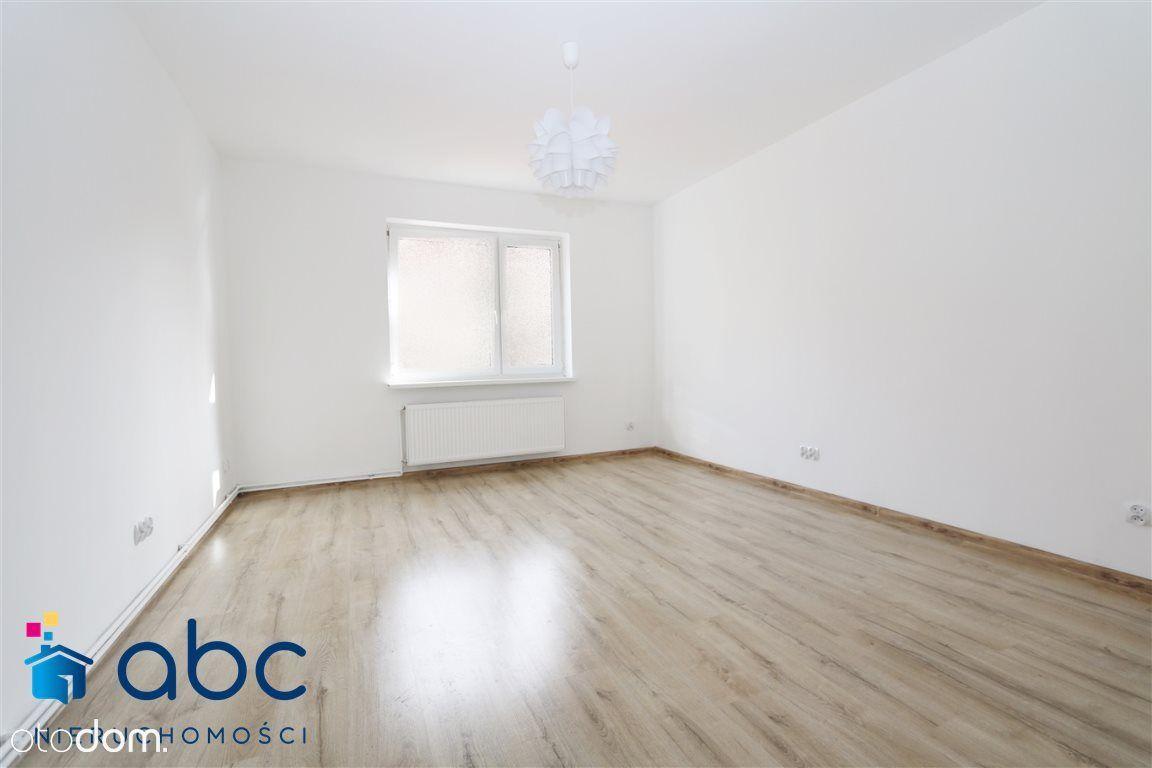 Mieszkanie, 54 m², Wałbrzych