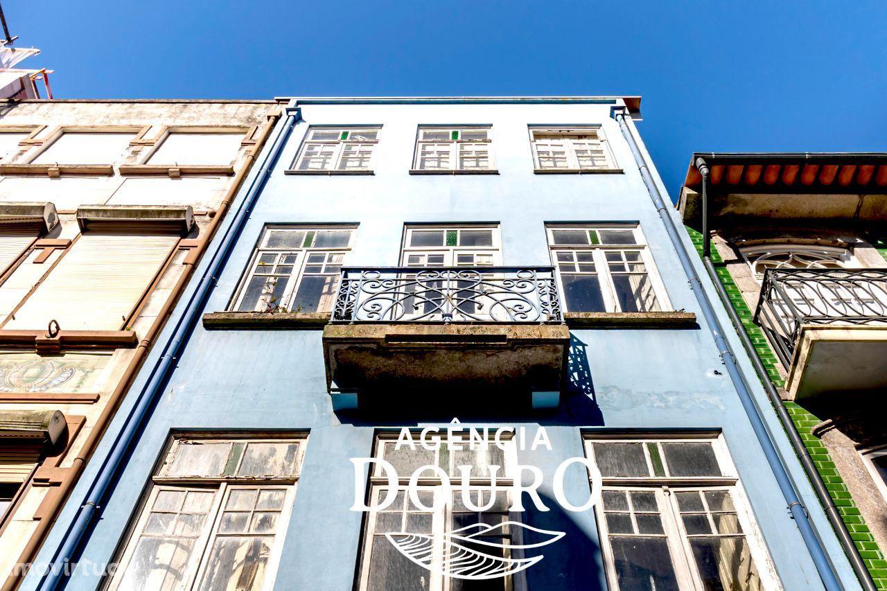 Prédio residencial à venda na Rua do Almada