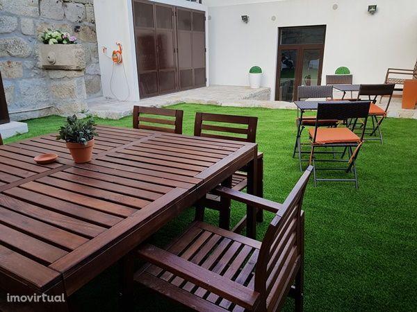 Moradia T4 - Porto Centro - Mobilada e equipada com Jardim Exterior