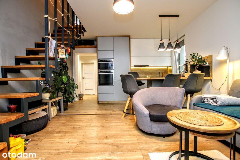 mieszkanie z antresolą, dwoma balkonami i garażem