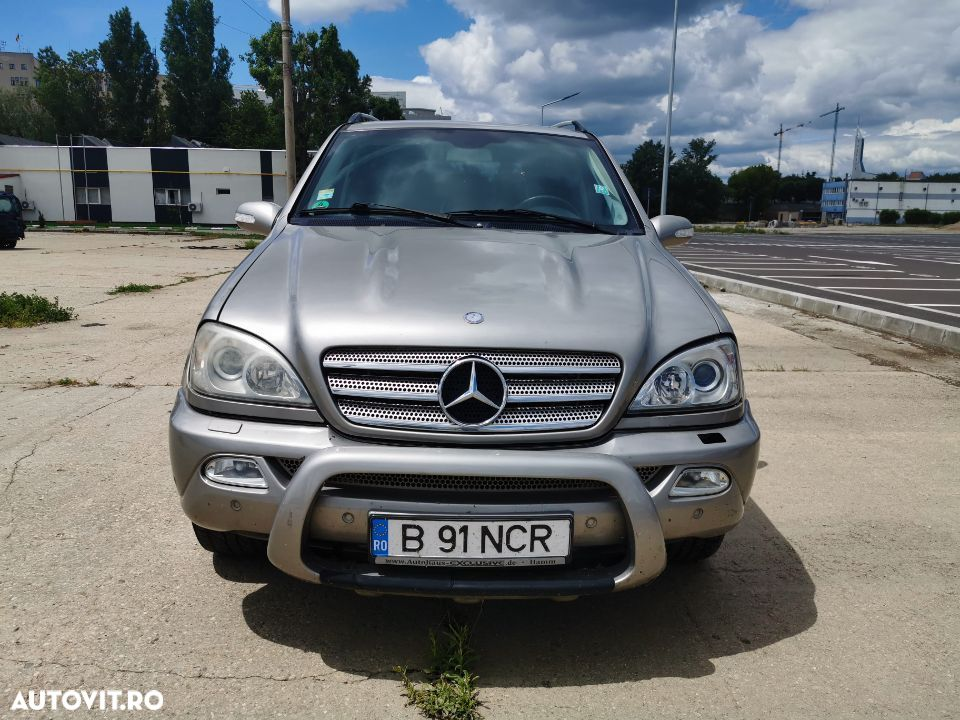 Mercedes-Benz ML ML270 - 1