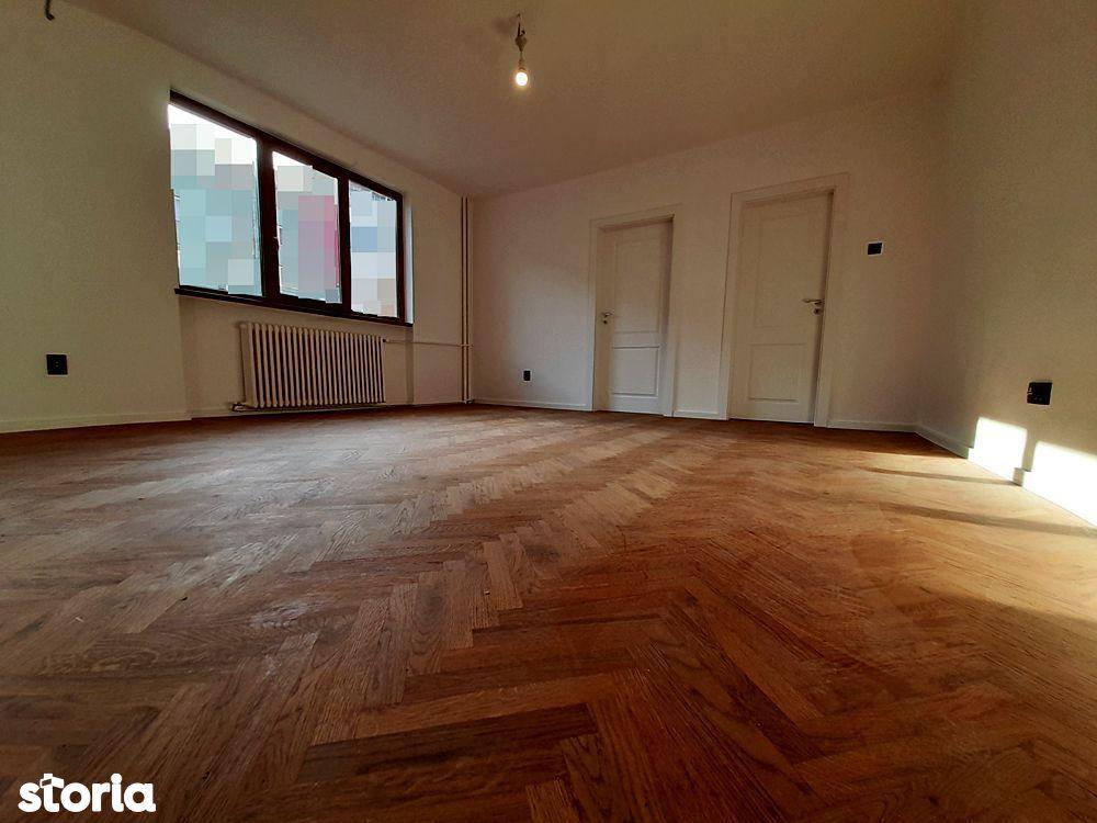 Apartament ultrafinisat cu 2 camere, parcare in curte, P-ta M. Viteazu