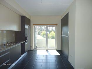 Apartamento T2 com Garagem