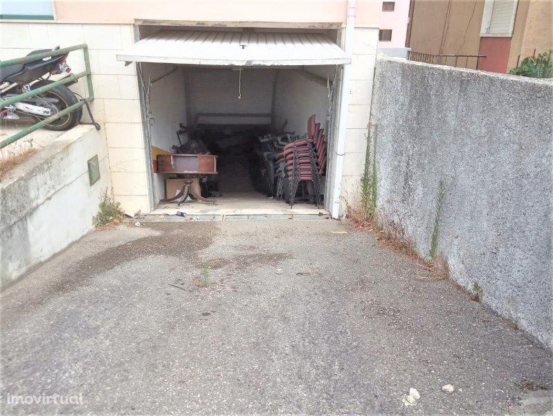 Garagens; Cacém