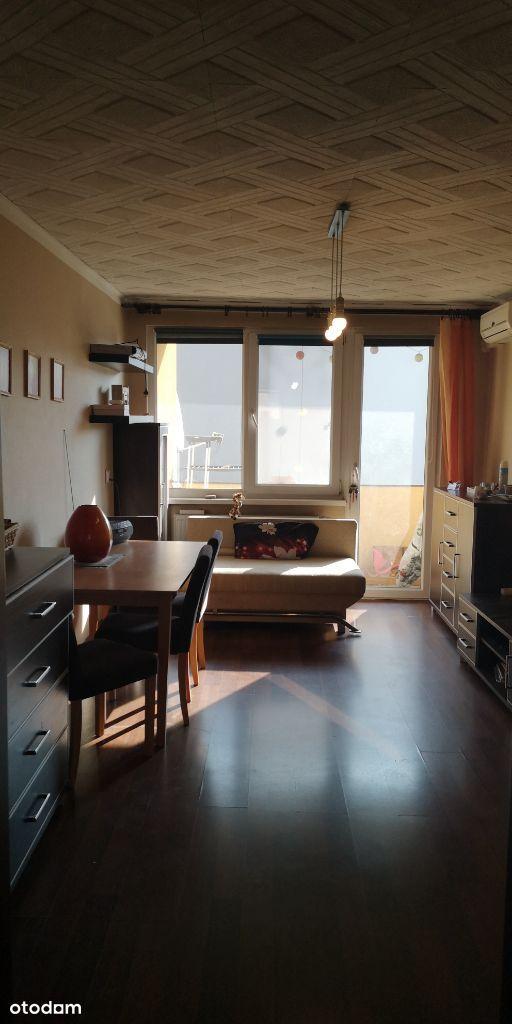 59m2, 4 pok, Klimatyzacją, Balkon, piwnica