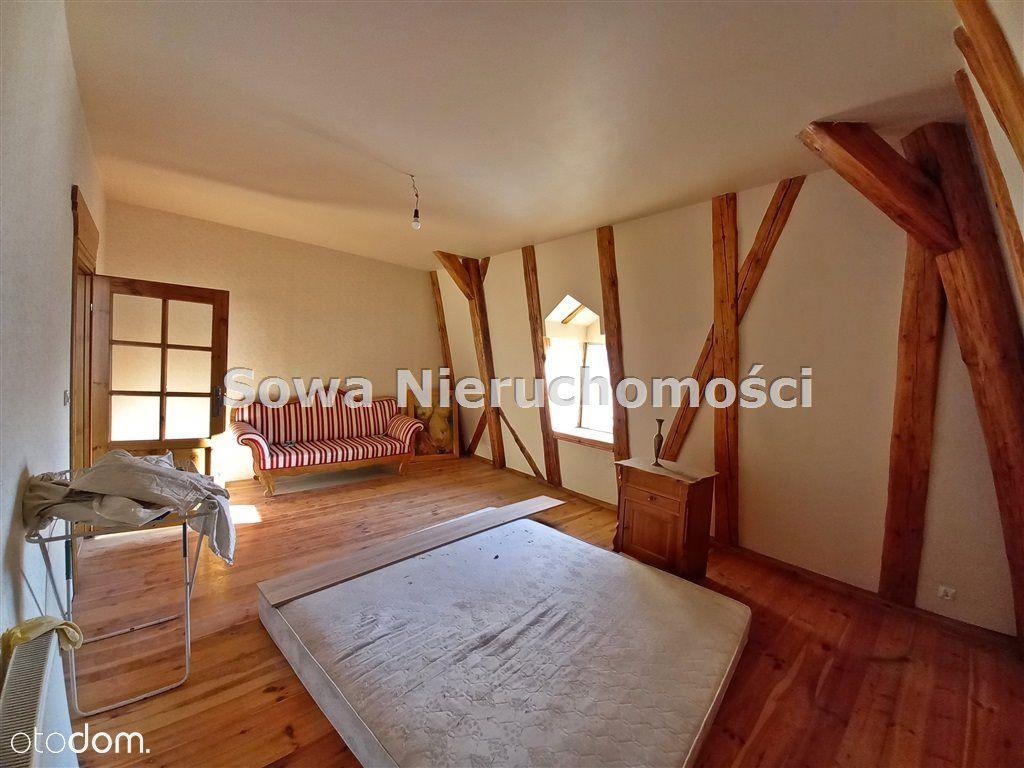 Przestronne czteropokojowe mieszkanie w Kowarach