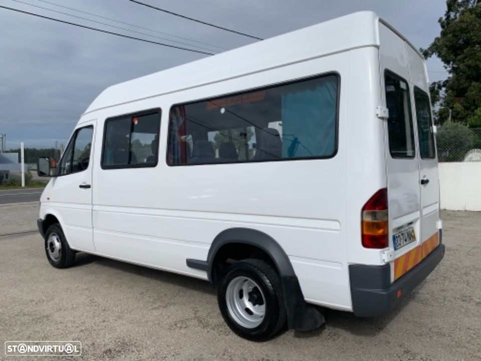 Mercedes Benz Sprinter 412 D  13 lugares - 8