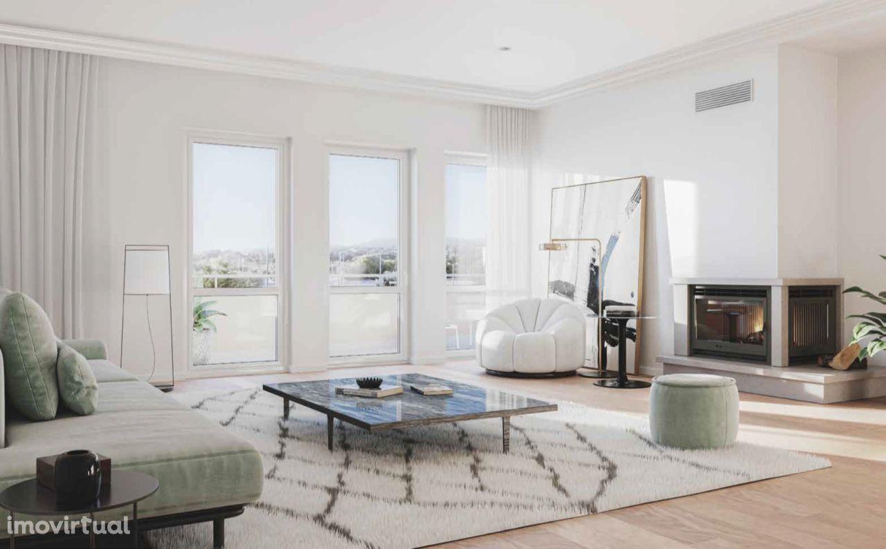 Fantastic T3+1 Duplex Apartment at private condominium