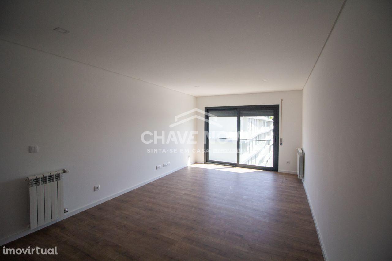 Apartamento T2 NOVO - Junto à Igreja Santa Rita