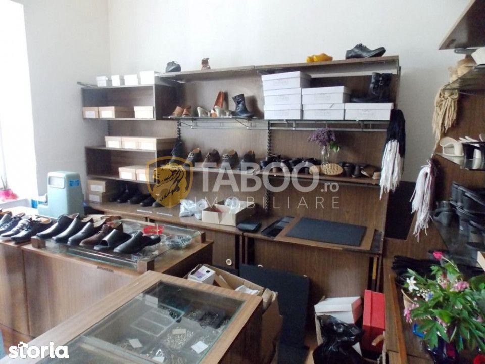 Casa 2 camere si 4 spatii comerciale de vanzare in zona Orasul de Jos