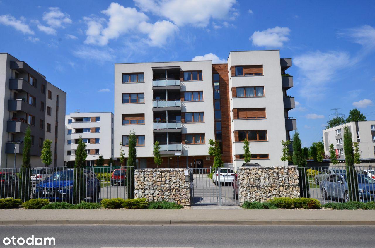 Jedno z ostatnich mieszkań, Enklawa Kryształowa