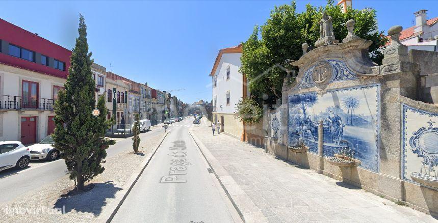Moradia Póvoa de Varzim Zona Histórica com Garagem