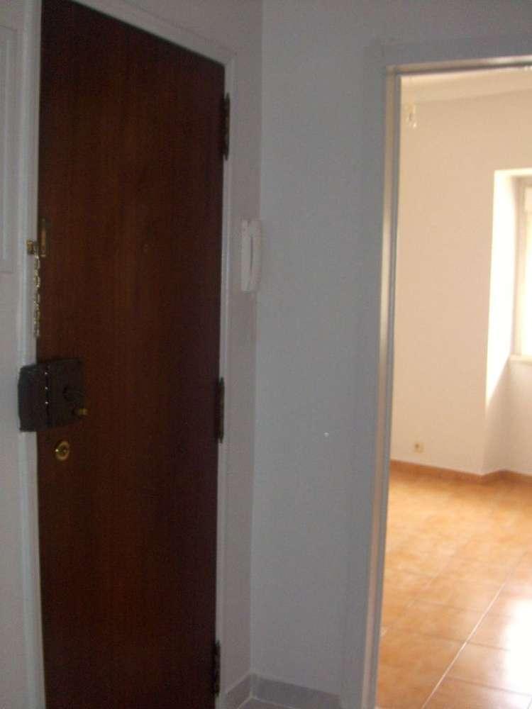 Quarto para arrendar, Rua João Villaret, Laranjeiro e Feijó - Foto 5