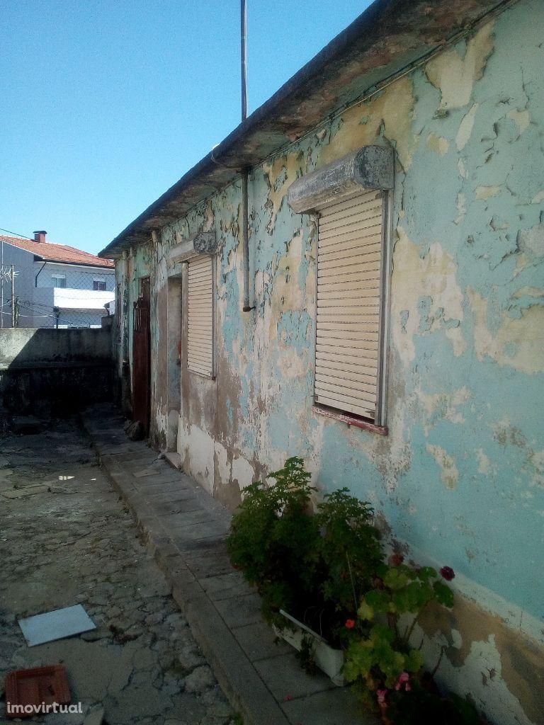 Conjunto de 5 Casas Rio Tinto Areosa Centro