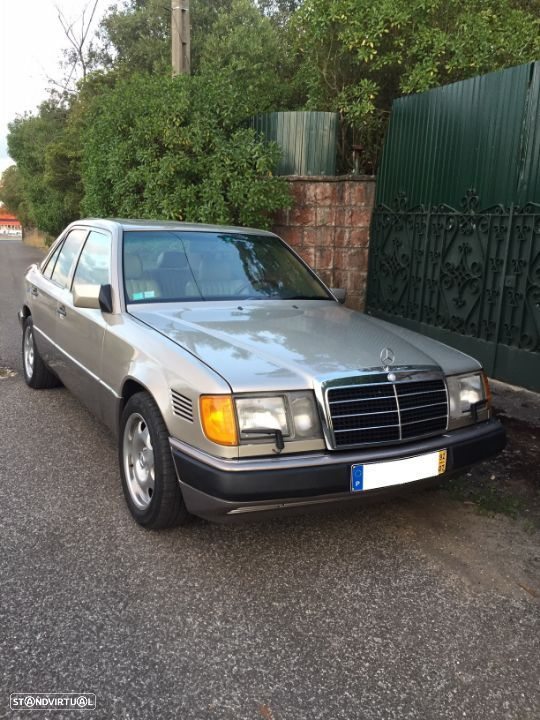 Mercedes-Benz 300 D Turbo - 38