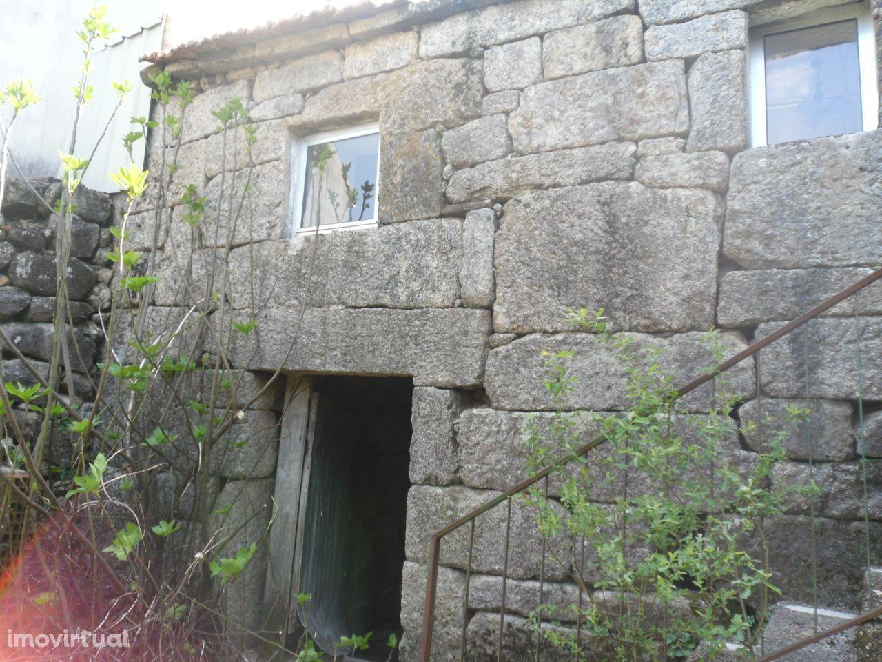 Moradia p/ resconstruir-Couço-Oliveira de Frades
