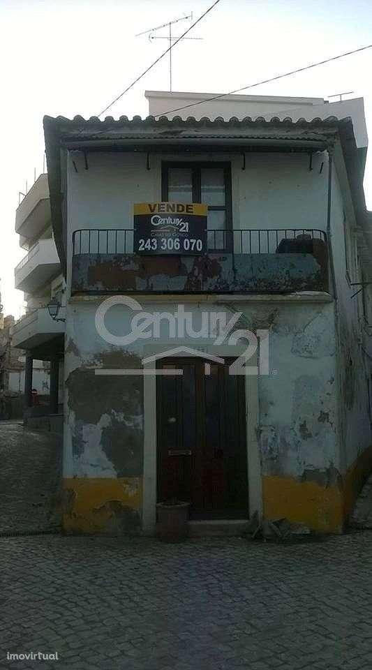 Moradia para comprar, Brogueira, Parceiros de Igreja e Alcorochel, Santarém - Foto 1