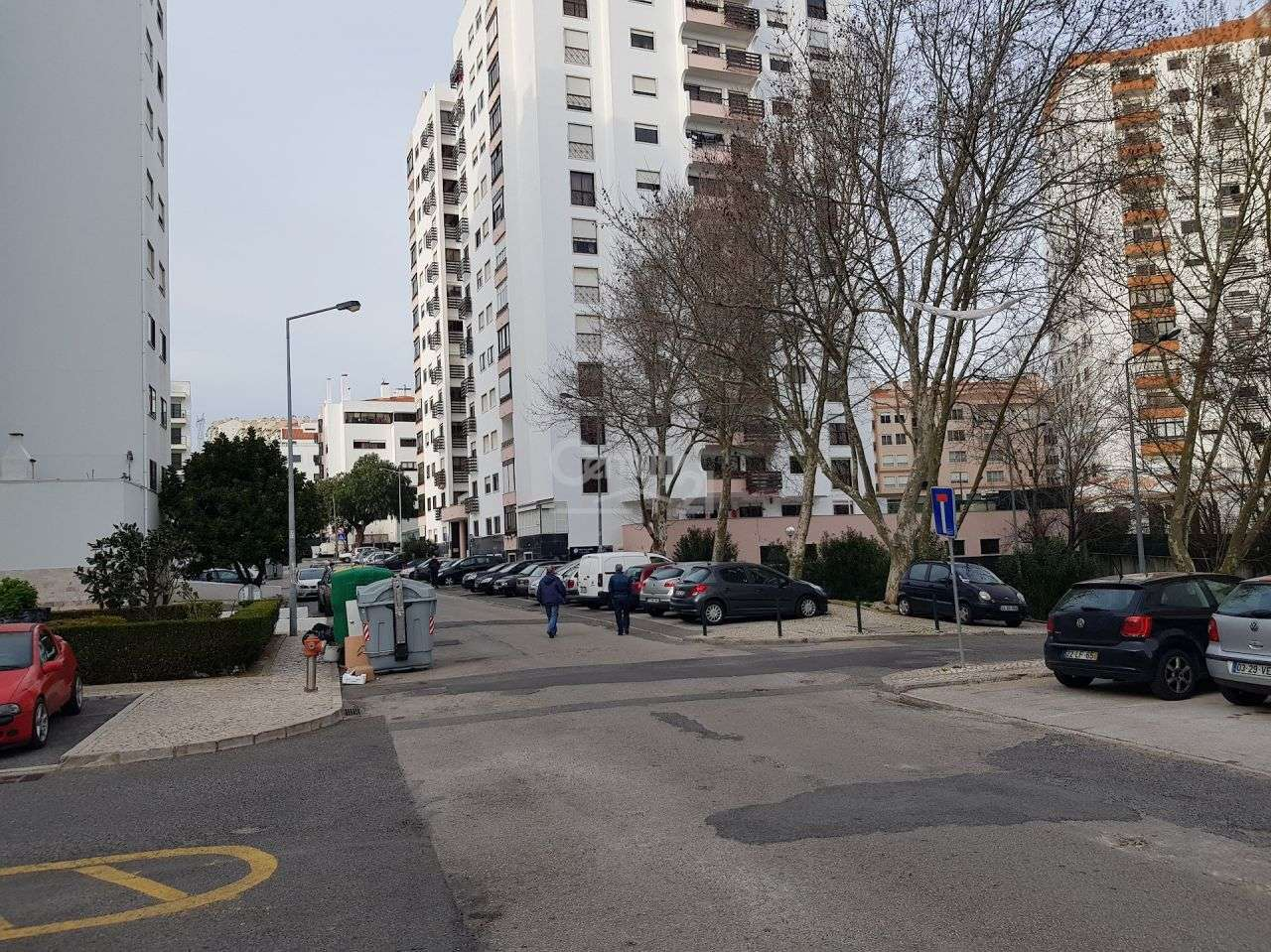 Garagem para comprar, Massamá e Monte Abraão, Lisboa - Foto 6