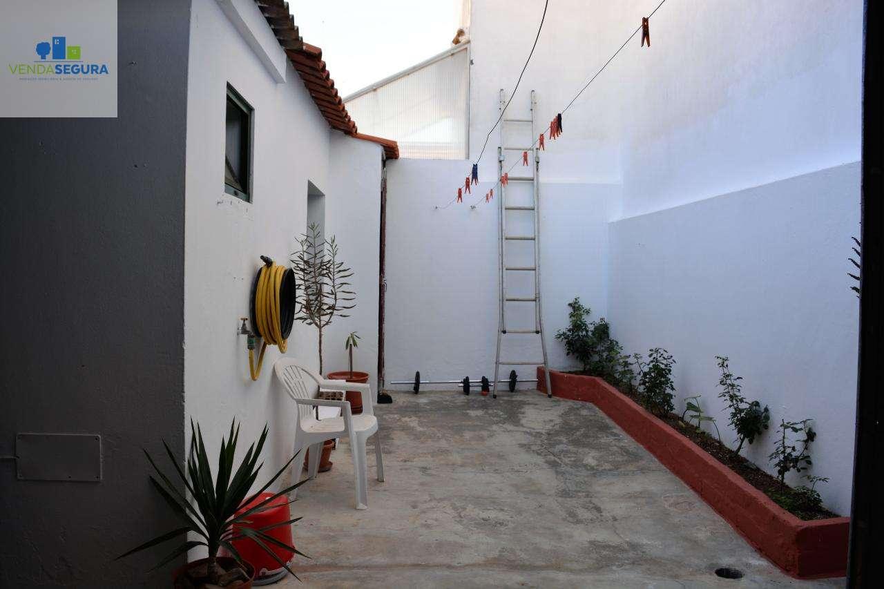 Moradia para comprar, Moura (Santo Agostinho e São João Baptista) e Santo Amador, Moura, Beja - Foto 9