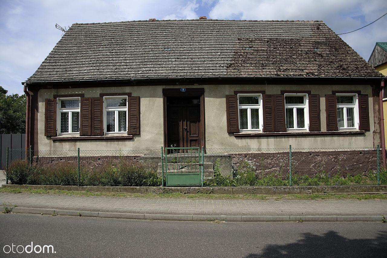 Posesja w spokojnej okolicy - dom z działką