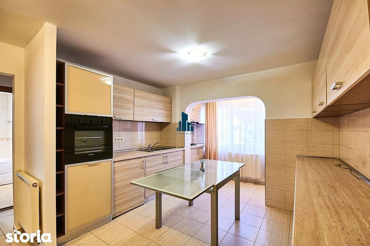 Apartament 2 camere, Decomandat, S-51 mp+2 balcoane, str. Lunii