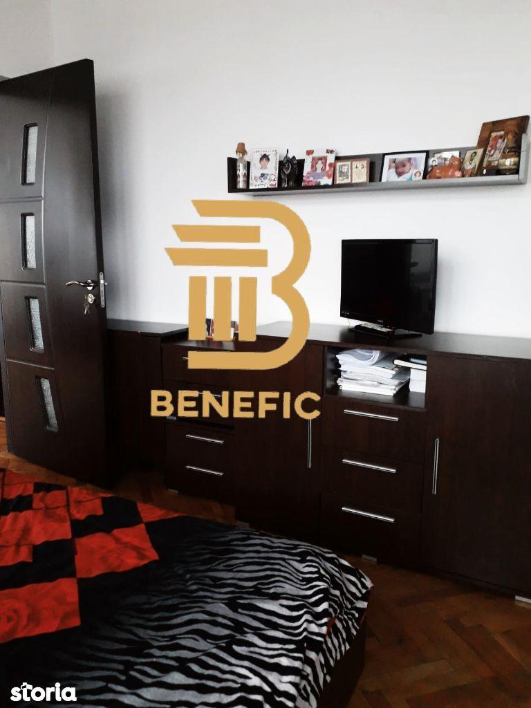 Vanzare apartament cu 3 camere , zona Nord-Cameliei ( id 81 )