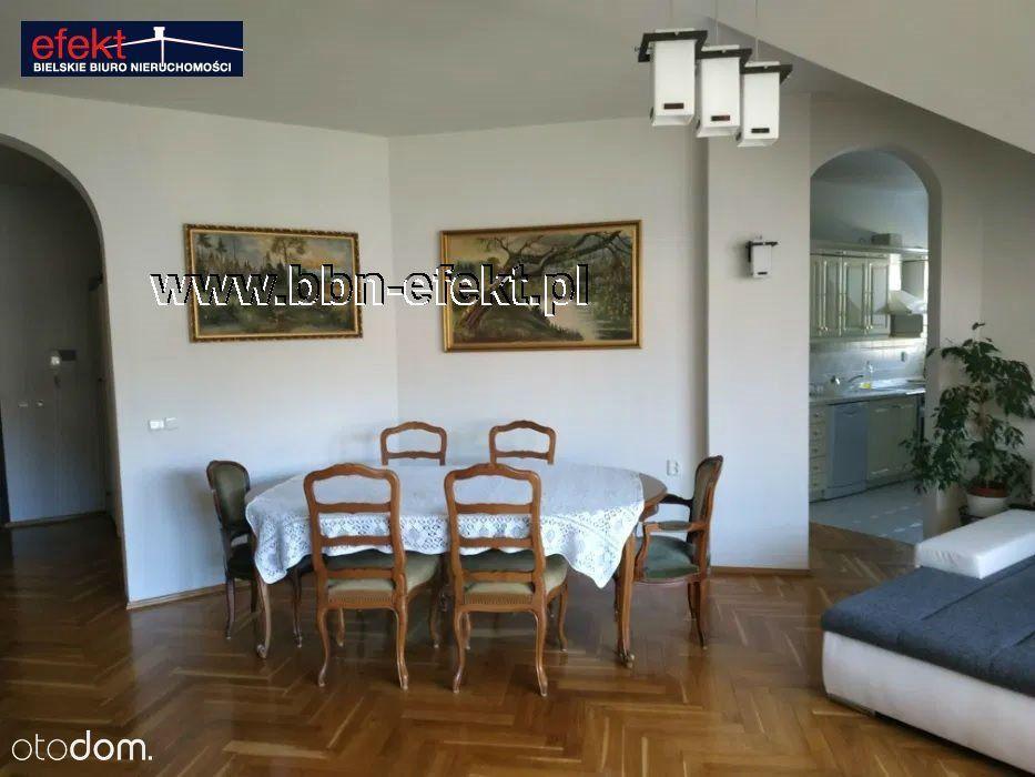 Dom, 300 m², Kozy