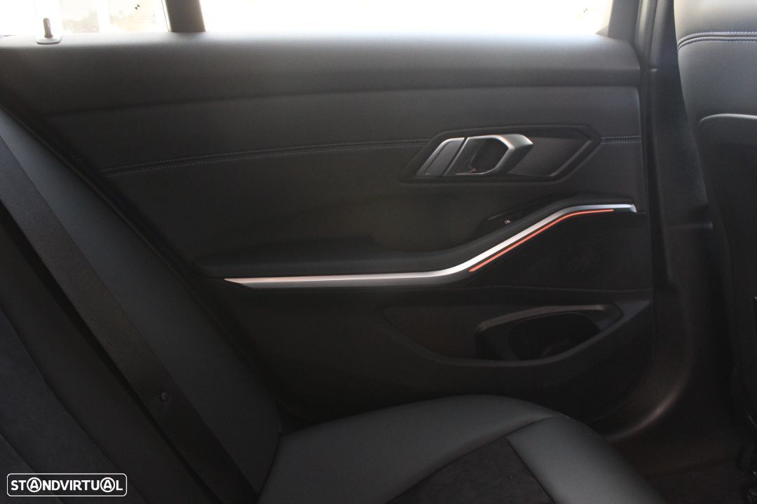 BMW 320 d Touring Pack M Auto - 18