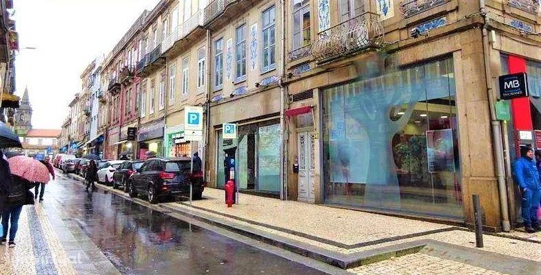 Ref. 3334 Loja para Arrendamento Porto Centro