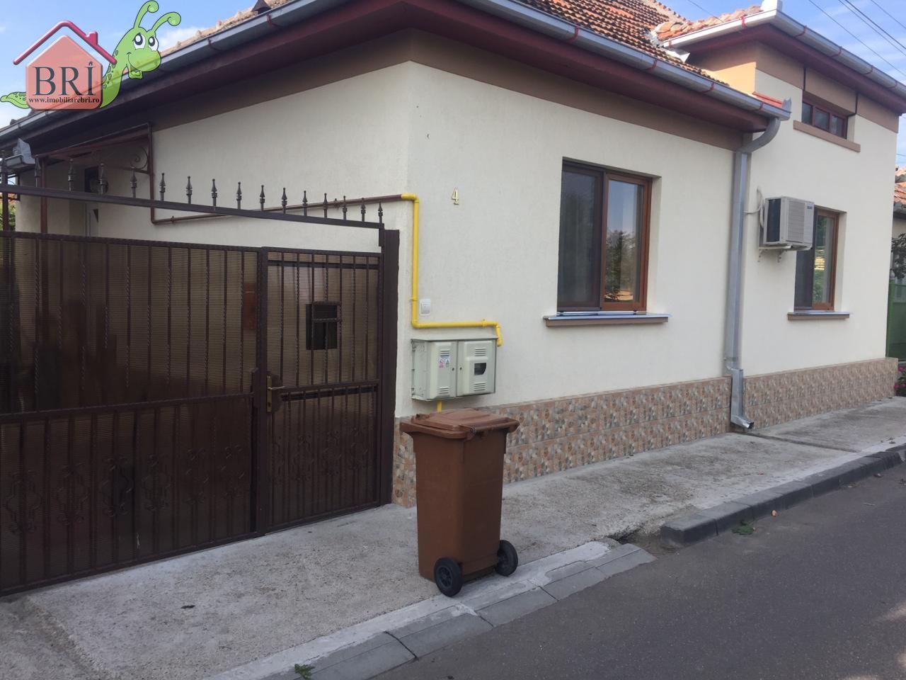 Casa cu 8 ari teren, zona Pta Titulescu