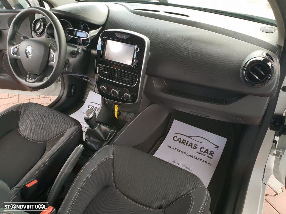 Renault Clio 1.5 Dci Limited SS - 23