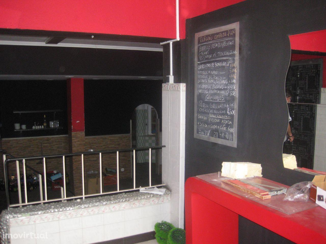 aluga-se restaurante em Santa Iria De Azoia