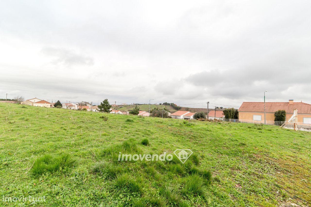 Terreno urbano com 801m2 para moradia isolada - Sobral de Monte Agraço
