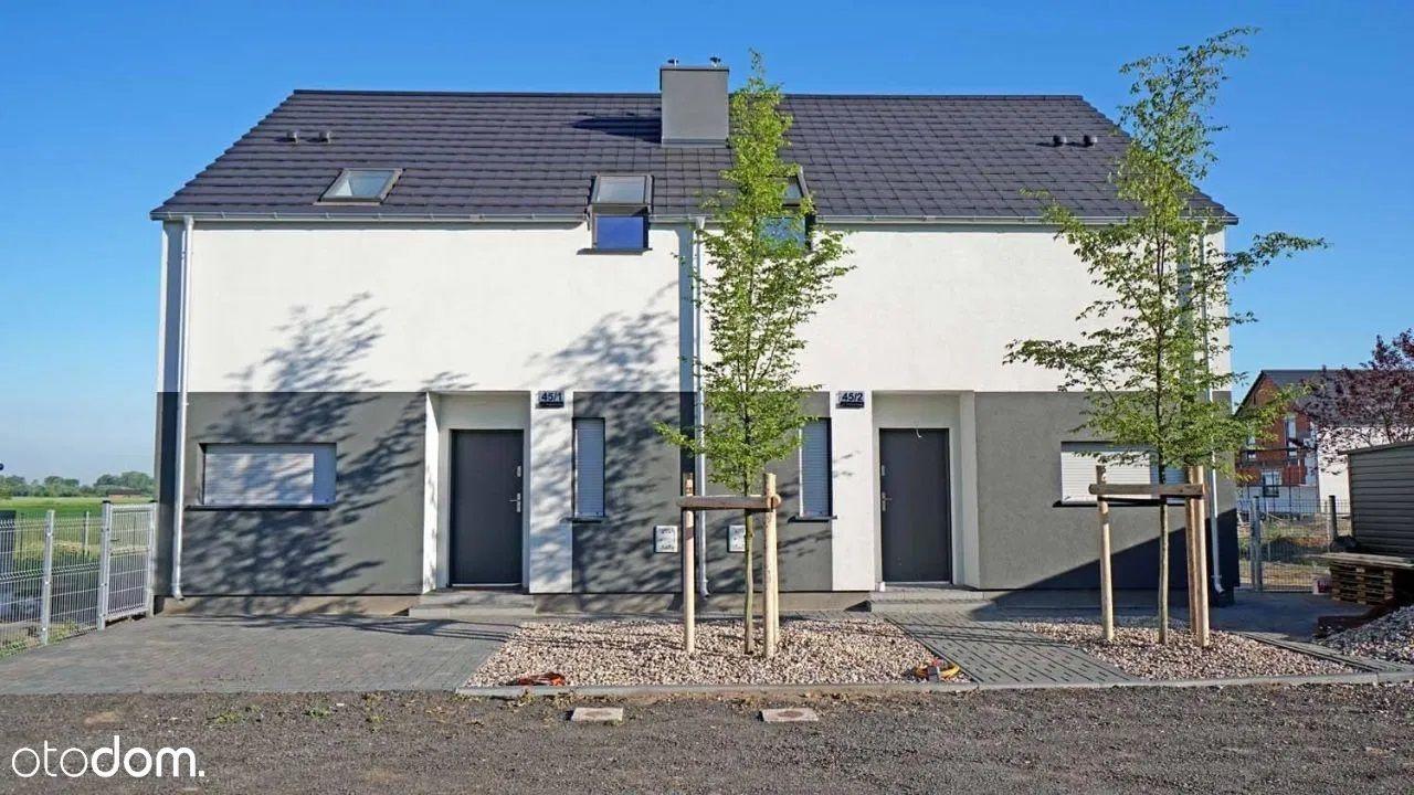 Nowy dom z ogrodem w Lusowie na nowym osiedlu