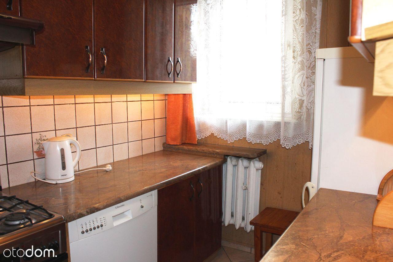 Radzikowskiego 3pokojowe,osobna kuchnia,wyposażone