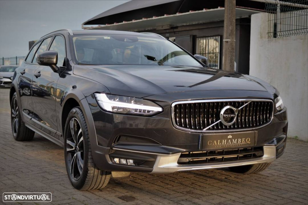Volvo V90 Cross Country 2.0 D4 Pro AWD Geartronic - 3