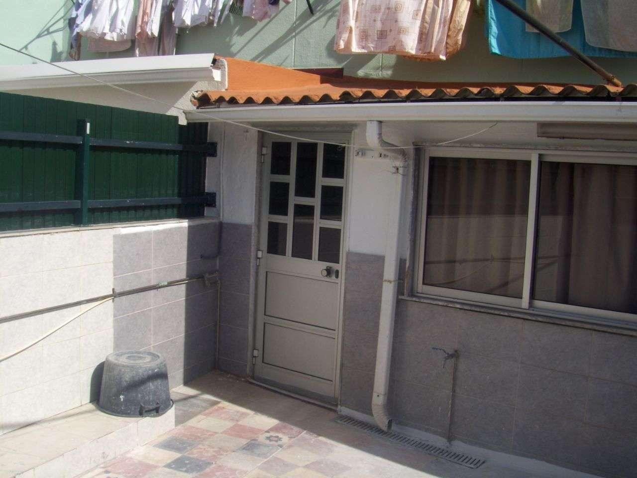 Quarto para arrendar, Rua João Villaret, Laranjeiro e Feijó - Foto 10