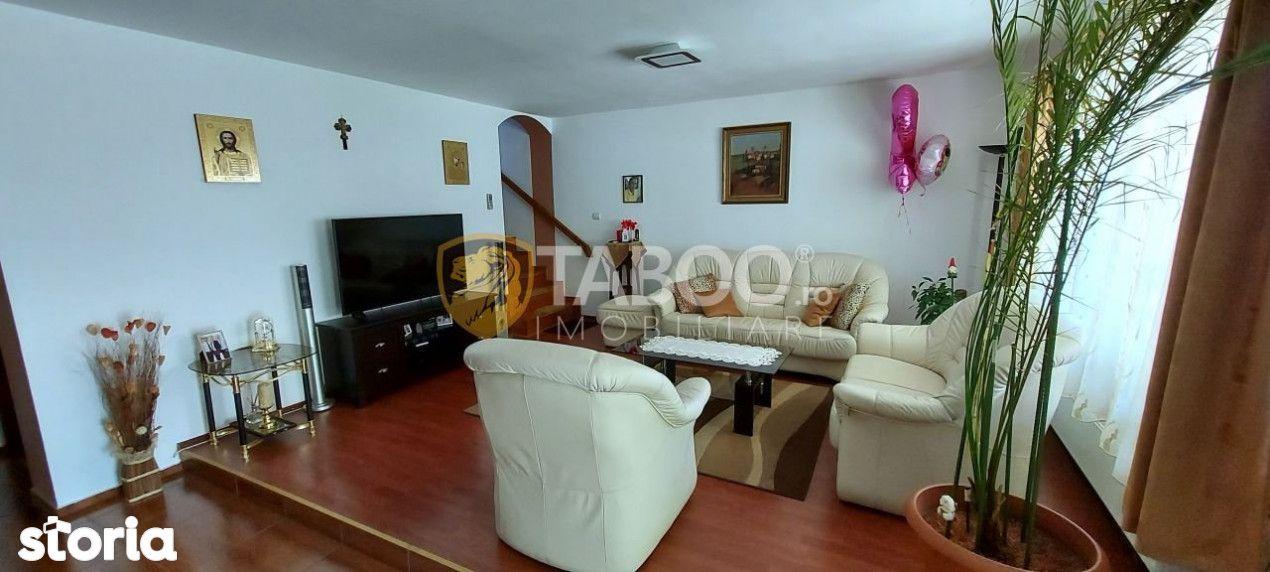 Casa individuala de vanzare 5 camere si curte libera 350 mp Selimbar