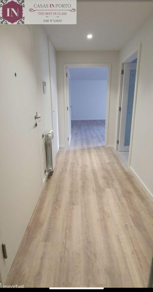 Apartamento T2 Com Terraço, Paranhos