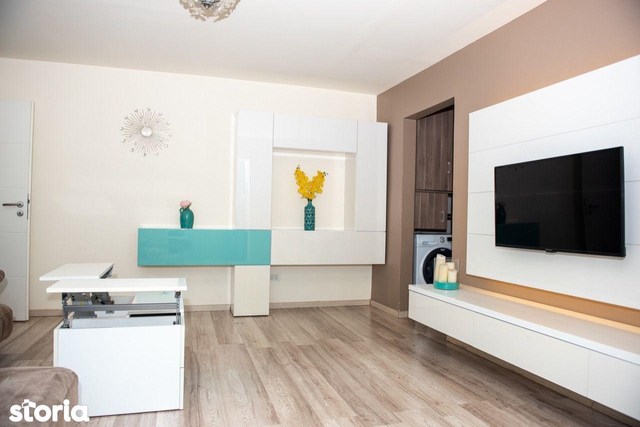 Proprietar vand apartament 2 camere, mobilat lux