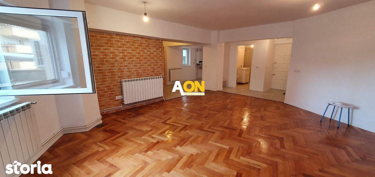 Apartament 2 camere, nemobilat, 68 mp utili, cu boxa, ultracentral
