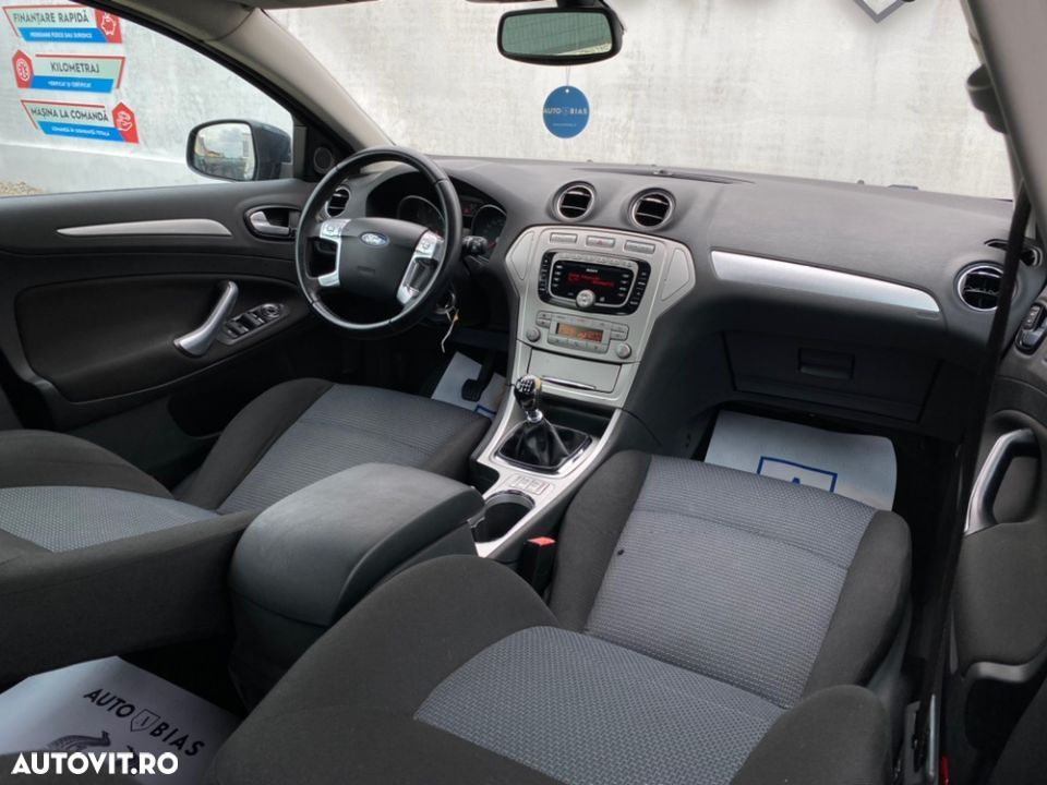 Ford Mondeo 1.8 - 17
