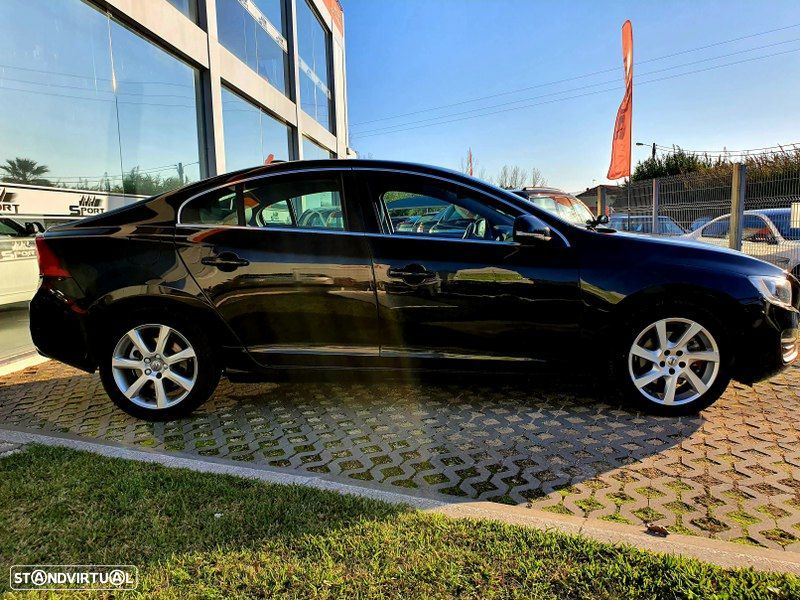 Volvo S60 2.0 D2 Momentum Geartronic - 12