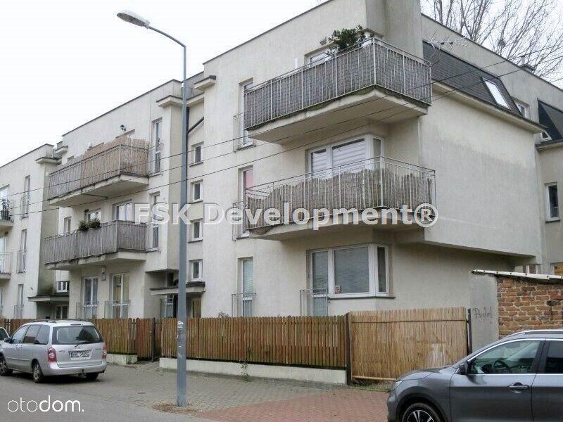 3 pokoje, dwa balkony, garaż